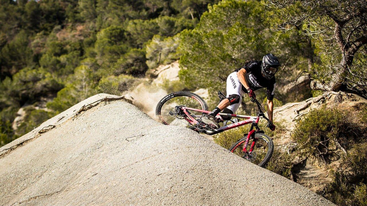 Mountain Bikes Under $2000